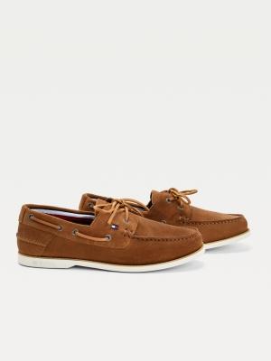 suede boat shoe logo