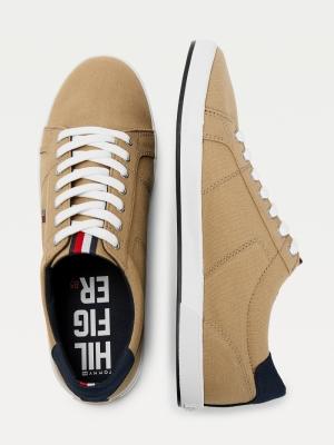 Sneaker logo